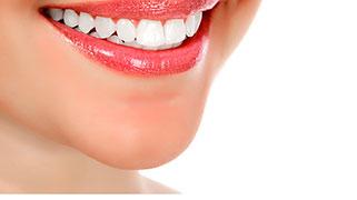 como branquear os dentes naturalmente