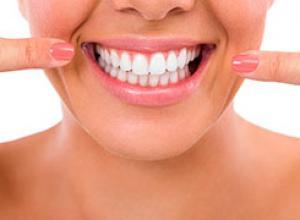 alimentos clareamento dental