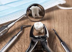 cirurgia de dente